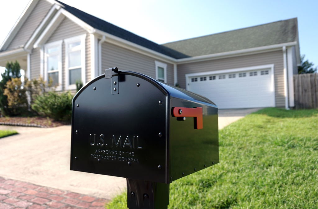 Storehouse Extra Large Parcel Mailbox
